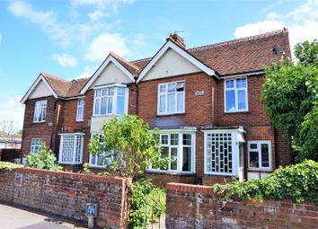 Thumbnail 2 bed flat for sale in Greenham Road, Newbury