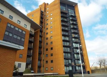 Thumbnail 2 bed flat for sale in Sunderland Point, 1 Hull Place, London