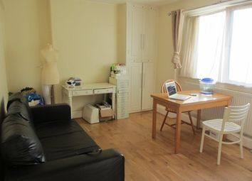 Thumbnail 1 bed flat to rent in Barwell House, Menotti Street, Bethnal Green