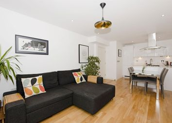 Thumbnail 1 bed flat to rent in Calvin Street, London