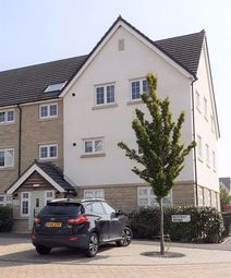 Thumbnail Flat for sale in Bletchley Avenue, Horsforth, Leeds