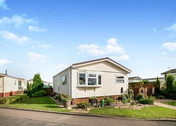 Thumbnail 2 bed mobile/park home for sale in Three Star Park, Bedford Road, Henlow, Beds