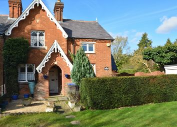 Thumbnail 2 bedroom cottage for sale in West Common, Gerrards Cross