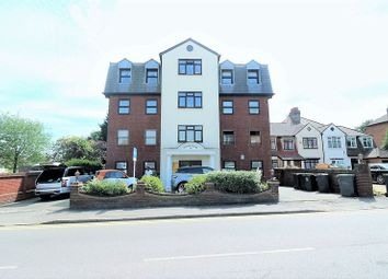 Thumbnail 3 bedroom flat to rent in Manor Road, Chigwell