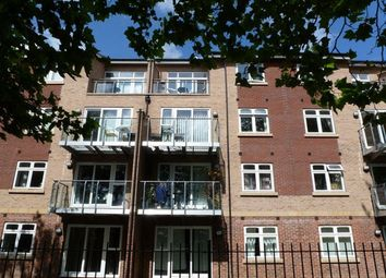 Thumbnail 2 bed flat to rent in Cottingham Road, Hull
