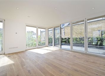 Thumbnail 2 bed mews house to rent in Southgate Grove, Hackney