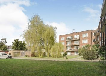 Kingston Close, Hove BN3. 2 bed flat for sale