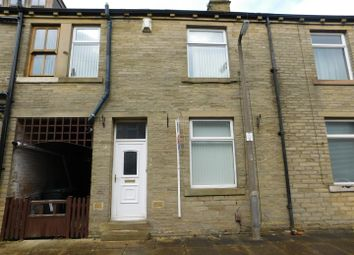 2 bed terraced house to rent in York Street, Queensbury, Bradford BD13
