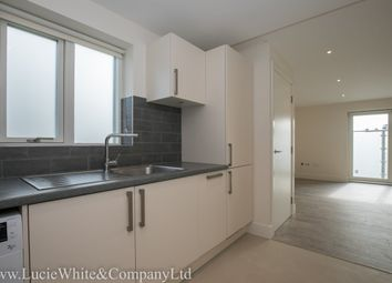 Thumbnail 3 bed flat to rent in Bensham Lane, Croydon