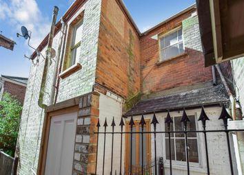 Thumbnail 1 bed maisonette to rent in Cross Street, Ryde