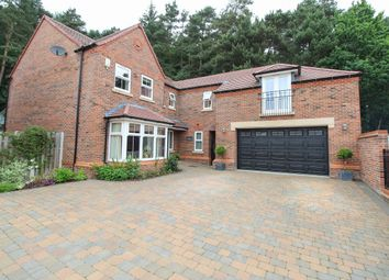 5 bed detached house for sale in Treeneuk Gardens, Chesterfield S40