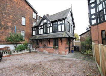 3 bed detached house to rent in Half Edge Lane, Eccles, Manchester M30