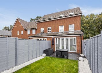 3 bed town house for sale in Arlott Green, Crowthorne, Berkshire RG45