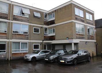 Thumbnail 2 bed flat to rent in Grosvenor Road, St.Albans
