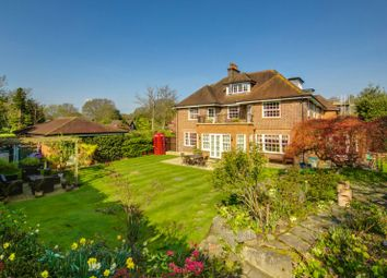 Thumbnail 6 bed property to rent in Pond Road, Hook Heath, Woking