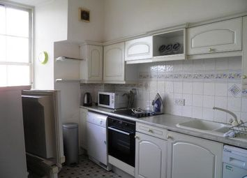 2 bed flat to rent in Bank Street, Dundee DD1