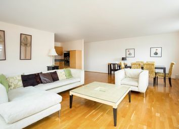 2 bed flat to rent in Collington Street, London SE10