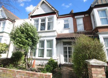 Thumbnail 1 bedroom flat for sale in Honiton Road, Southend-On-Sea