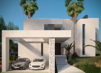 Thumbnail 3 bed villa for sale in Spain, Andalucia, Estepona, Ww915