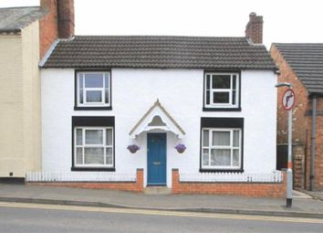 3 bed terraced house to rent in Newton Road, Rushden NN10