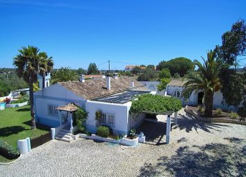 Thumbnail 6 bed villa for sale in Odiáxere, Algarve, Portugal