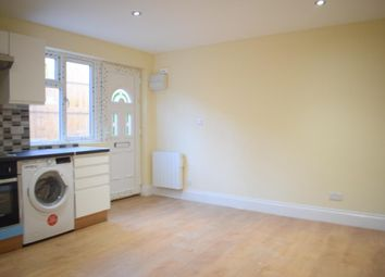 Thumbnail Studio to rent in Courtleigh Gardens, Golders Green, London