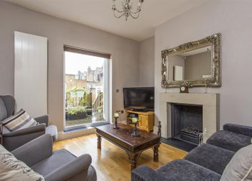 2 bed maisonette for sale in Nevill Road, London N16