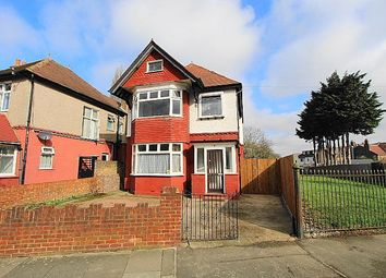 Thumbnail 4 bed detached house for sale in Kings Avenue, Greenford