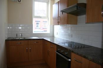 4 bed property to rent in Headingley Avenue, Headingley, Leeds LS6