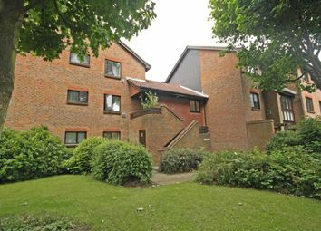 Thumbnail Studio to rent in Stags Way, Isleworth