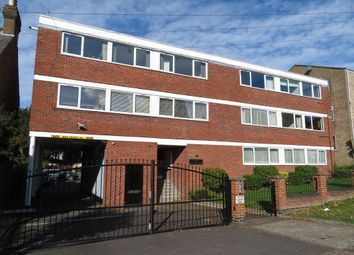Thumbnail 2 bedroom flat to rent in Church Hill, Loughton