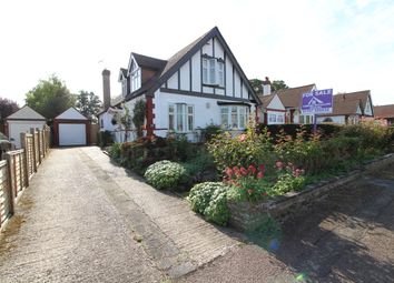 Thumbnail 4 bedroom detached house for sale in Oakroyd Avenue, Potters Bar