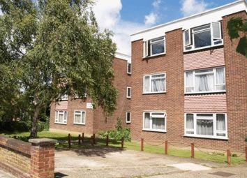 Thumbnail 1 bed flat to rent in Vivian Court, Alexandra Grove, Finchley, London