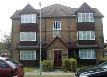 Thumbnail 1 bed flat to rent in Frobisher Road, Erith