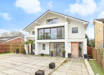 Thumbnail 5 bed detached house to rent in Barnet Gate Lane, Barnet