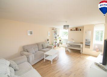 Ashton Court, Chingford E4. 2 bed flat