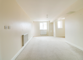 Thumbnail 2 bed flat to rent in Drummond Grove, Ashford