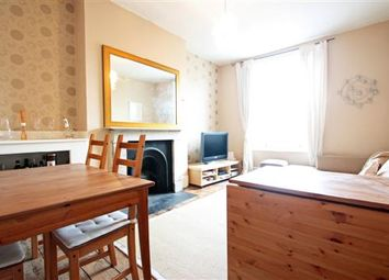Thumbnail 2 bed flat to rent in North End Road, Fulham, London