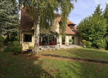Thumbnail 5 bed villa for sale in Vaucresson, Vaucresson, France