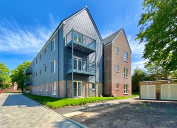 Thumbnail 2 bed flat to rent in Boundary Lane, Chichester