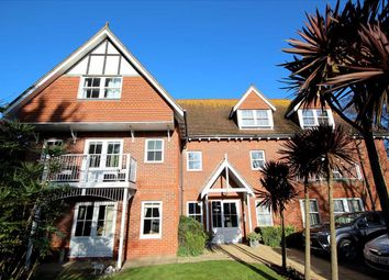 2 bed flat to rent in Wolsey Place, Mill Road, West Worthing. BN11