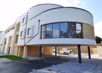 West Hill, Epsom KT19. 3 bed flat for sale