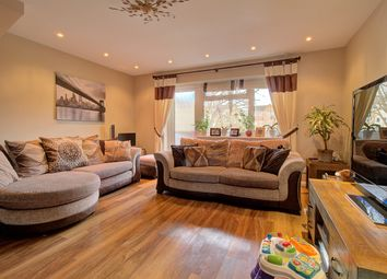 2 bed maisonette for sale in Rushams Road, Horsham RH12