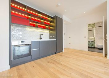 Thumbnail 1 bed flat for sale in Grantham Building, City Island, Leamouth Peninsula, London
