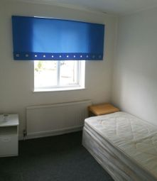 Thumbnail Room to rent in Mansfield Avenue, Cockfosters, Barnet, Hertfordshire