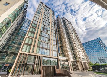 Thumbnail 4 bed flat for sale in Merchant Square East, London