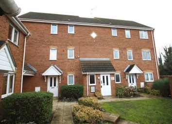 Thumbnail 1 bed flat to rent in Sarum Road, Luton