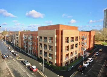Thumbnail 3 bed flat to rent in Pennant House, Cross Street, Portsmouth