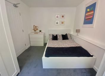 Thumbnail Room to rent in Crescent Rise, Luton