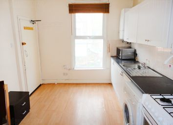 Thumbnail 1 bed flat to rent in 1st Floor Flat Queens Crescent, Kentish Town